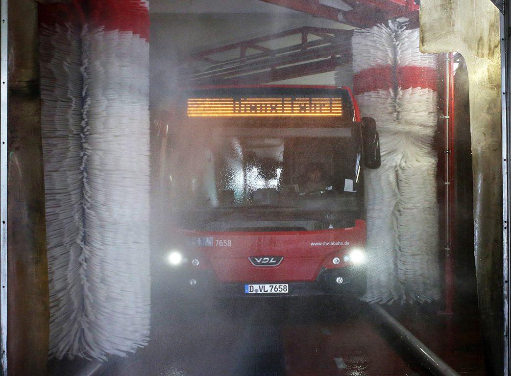 Bus_Waschanlage